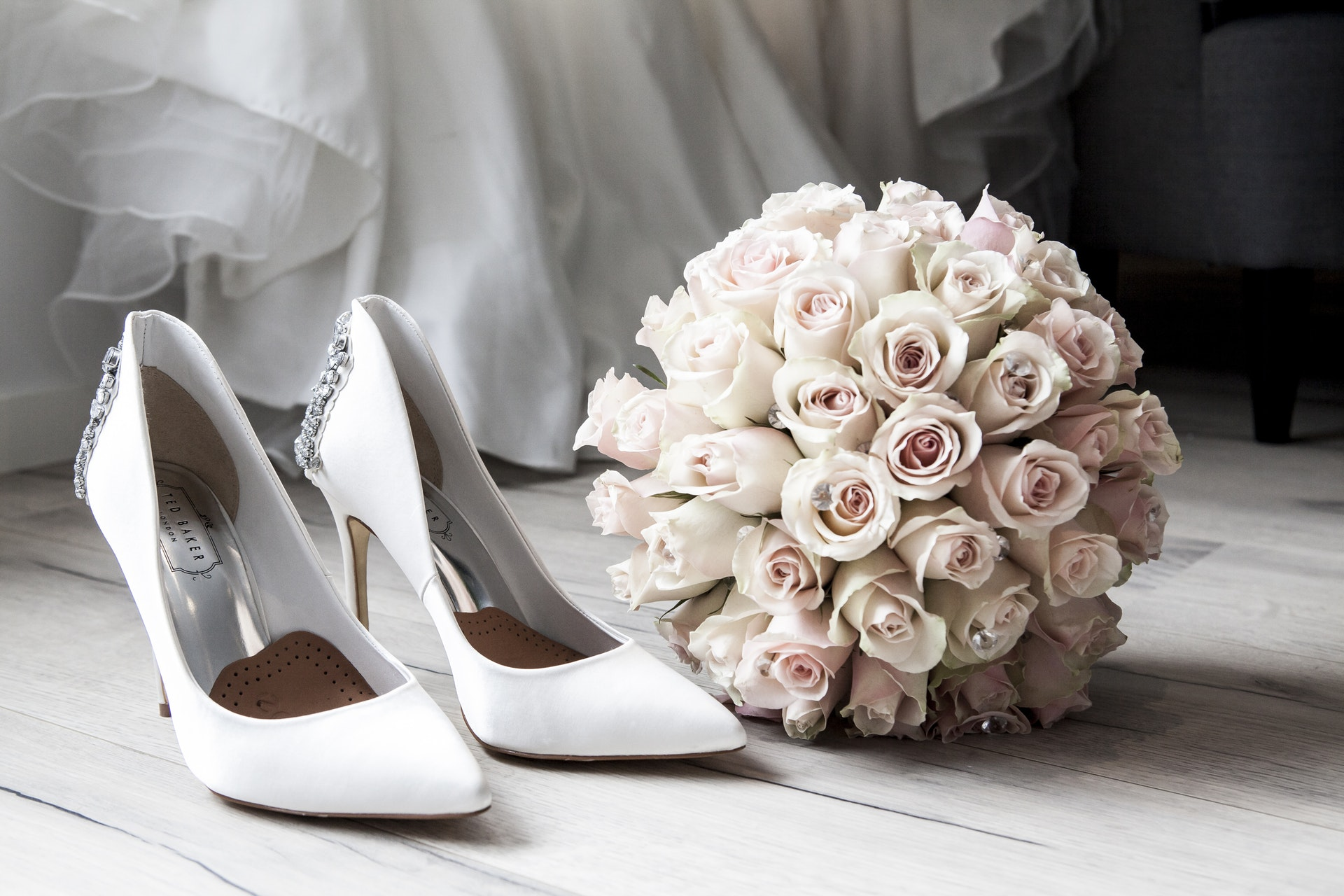 What to wear on a Wedding Day : Wedding Guide